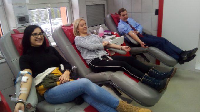 Studenti Fakulteta U Akciji Dobrovoljnog Davanja Krvi