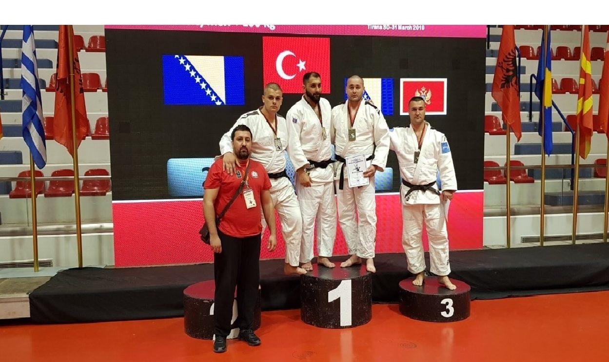 Vasilije Vujičić se okitio medaljom
